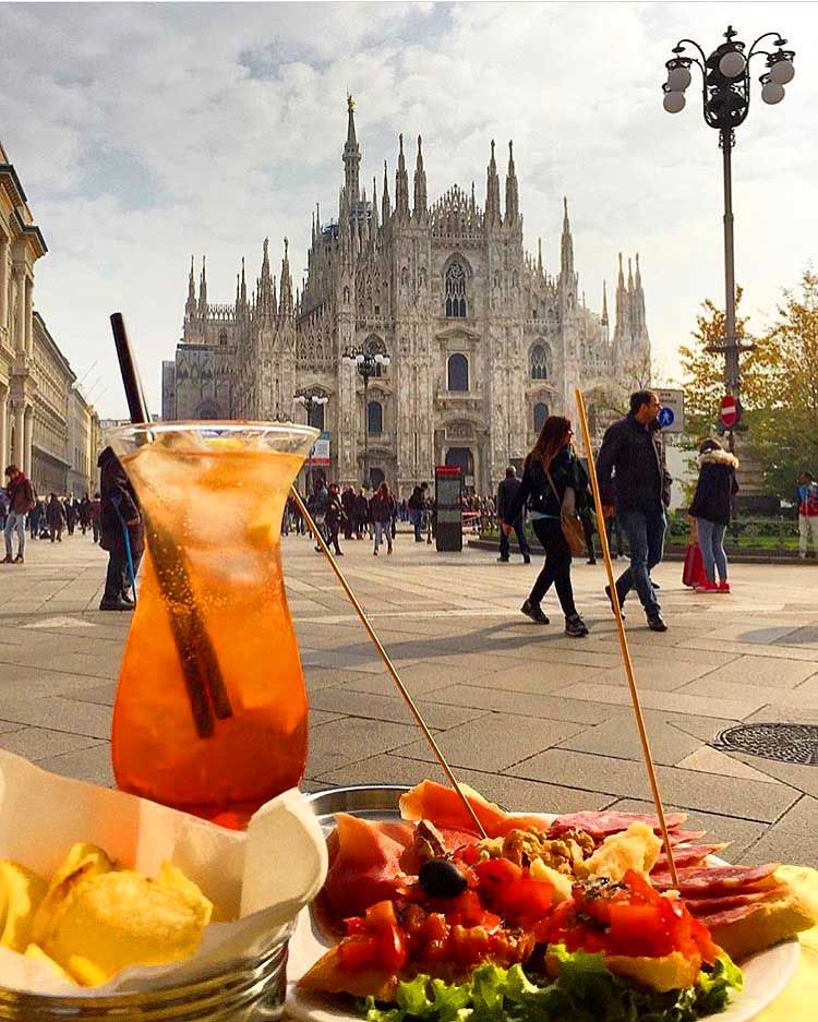 Миланский аперитив aperitivo
